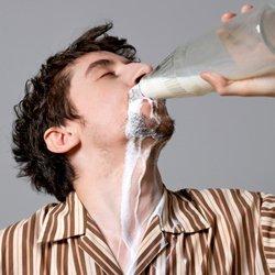 Можно ли мужчинам молоко?